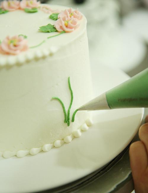 无锡华信蛋糕培训:韩式裱花蛋糕制作步骤】